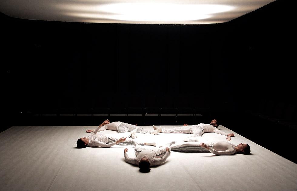 04-BODY-SHOTS_Foto-Jasper-Diekamp-X