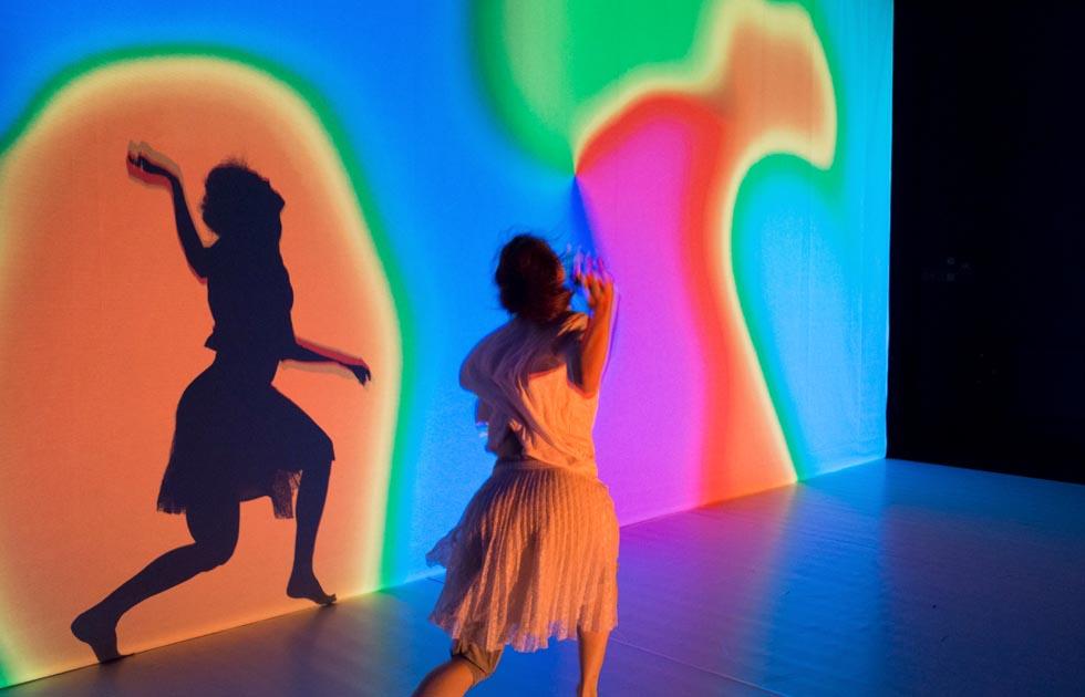 09-Revisiting-Wonderland-CocoonDance_Foto-Klaus-Föhlich-X